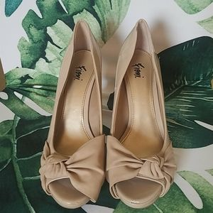 FIONI Nude Peep Toe Pumps w/ Knotted Bow Detail 8